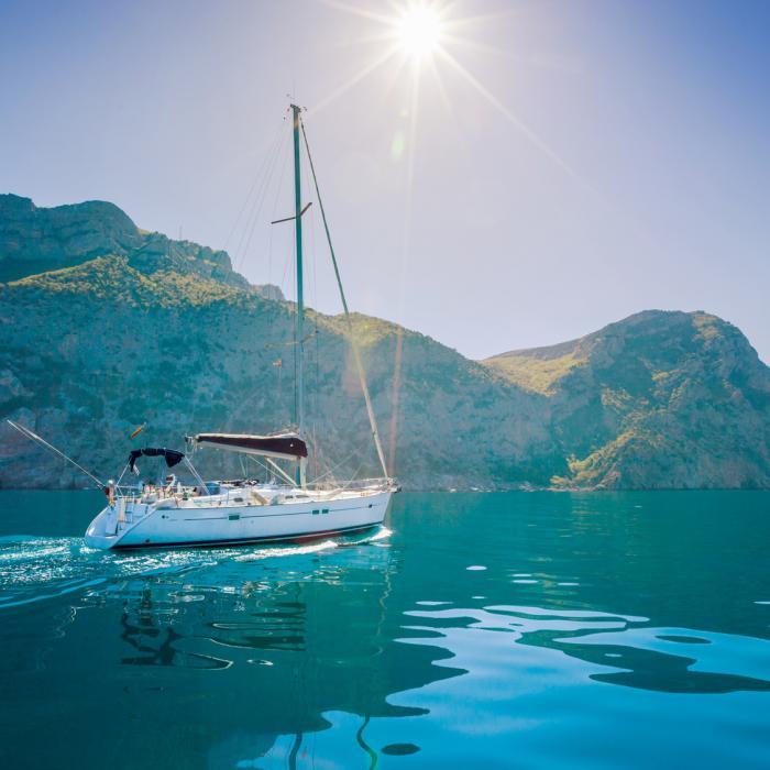 Sail yacht
