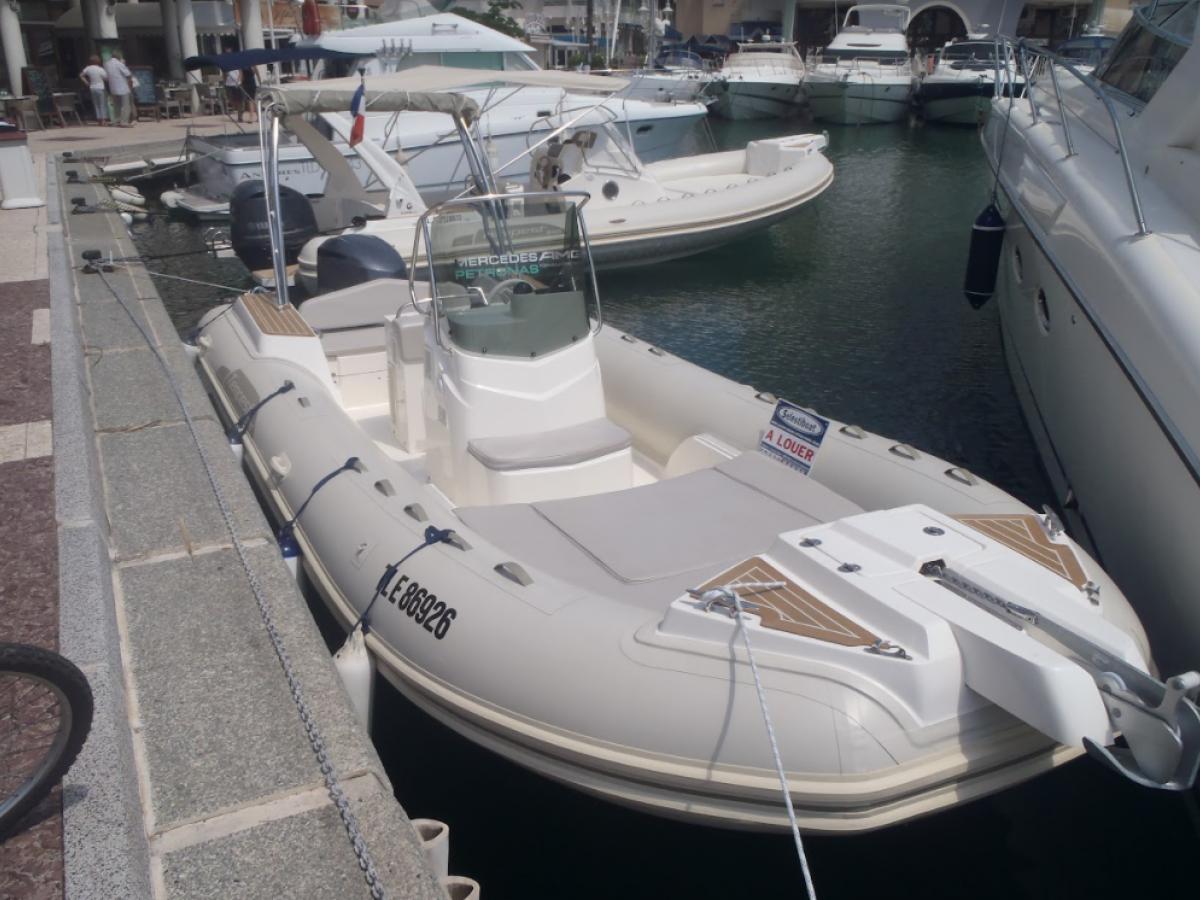 Capelli 700 Tempest Rental / Fréjus - St Tropez